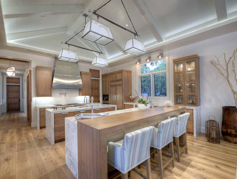 Modern Kitchen Marble and Light Wood Design. Kitchen Galleries Architectural Design Portfolio. Designed by Kukk Architecture & Design Naples.